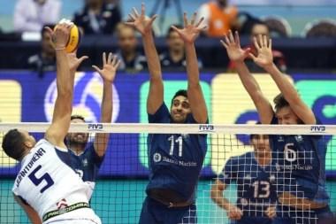 Argentina no pudo con Italia y mañana enfrenta a Serbia a las 10.30.