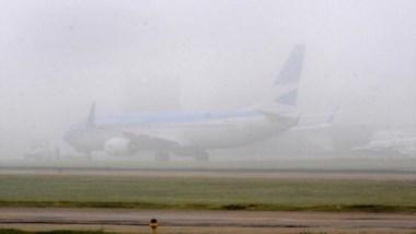 La intensa niebla obligó a cerrar las operaciones en aeroparque