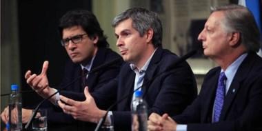 El jefe de Gabinete, Marcos  Peña, junto a los  ministros Germán Garavano y  el polémico Juan José Aranguren.