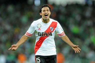 Kranevitter y Correa fueron presentados como jugadores del Sevilla.