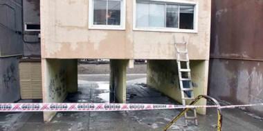 Los delincuentes, tras los disparos del morador, optaron por lanzarse al vacío desde un primer piso.