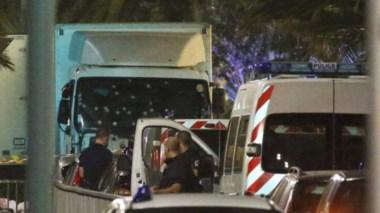 Atacante de Niza sería un franco-tunecino, según seguridad francesa.