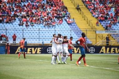 SanLorenzo venció 1-0 a Municipal,. Volvió Colochini y Torrico atajó un penal.