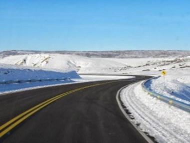 La mayoría de las rutas presenta calzada húmeda y sectores con hielo
