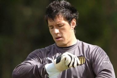 Enrique Bologna llegó libre de Gimnasia, junto a Lollo viajarán para sumarse a la pretemporada en Orlando.