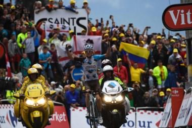 Bardet se queda con la primera etapa para un ciclista local en la presente edición del Tour.