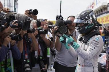 Rosberg aprovecha las circunstancias y se hace con la pole del GP de Hungría.
