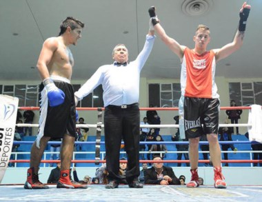 Ezequiel Matthysse consiguió otro triunfo en una pelea reñida.