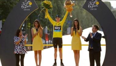 El británico volió a ganar el Tour de Francia y ya lleva tres victorias en su carrera.