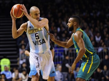 Argentina cayó ante Australia en el debut del Tres Naciones. Ginóbili anotó 22 puntos.