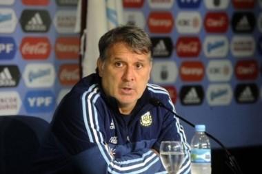 Los clubes nacionales negaron a los convocados para Rio 16. Sabían que, ante semejante vacío, Martino podía renunciar.