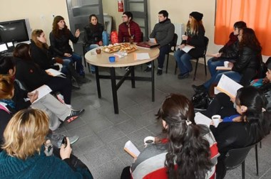Las charlas buscan brindar herramientas de defensa de las víctimas de violencia de género.