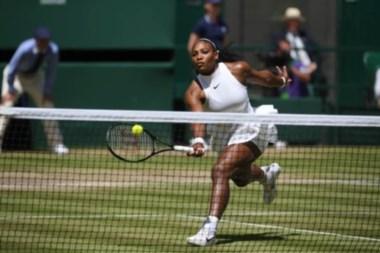 Serena Williams llegó a su novena final en el césped londinense.
