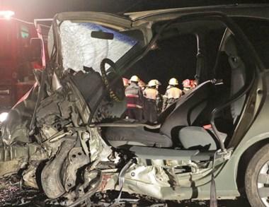 En este auto iban las dos mujeres víctimas del violento choque frontal.