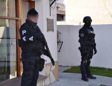 El procedimiento antinarcóticos se llevó a cabo en Esquel y El Bolsón.
