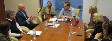 Ayer el ministro de Salud, Leandro González, pasó por la Legislatura y se reunió con la Comisión de Salud.