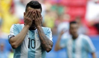 Argentina empató con Honduras y quedó eliminada en primera ronda.