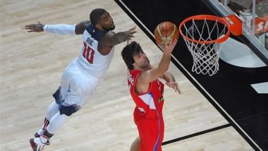 Estados Unidos vuelve a sufrir para ganar a Serbia como en el último mundial.