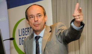 Artana fue funcionario del equipo de López Murphy durante 15 días.