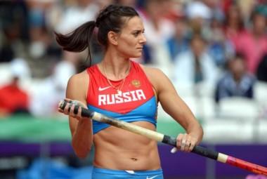 Tras su ausencia en Río 2016, Isinbayeva anunció su retiro del atletismo.