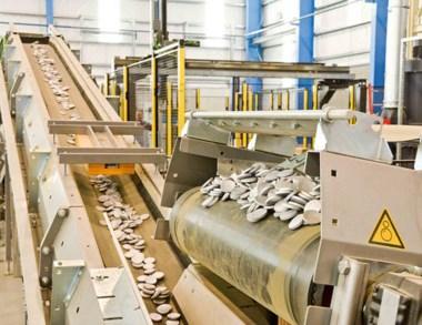 La empresa informó que reducirá producción y personal