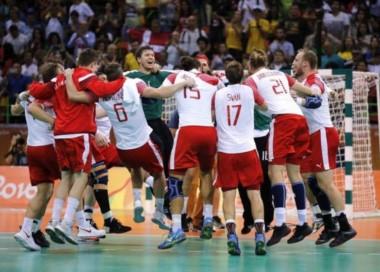 Dinamarca se quedó con la final del handball masculino ante Francia.