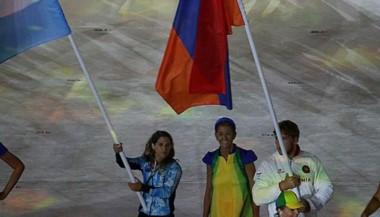 Pareto llevó la bandera argentina en la ceremonia de clausura de los JJOO.