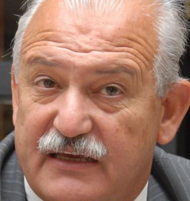 Intendente Ricardo Britapaja .