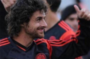 Pablo Aimar jugaría algunos encuentros en Estudiantes de Río Cuarto para retirarse jugando junto a su hermano.