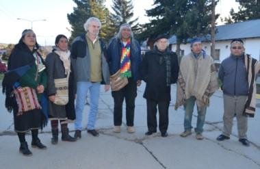Adolfo Pérez Esquivel junto a otros dirigentes manifestaron ayer su apoyo hacia Facundo Jones Huala.