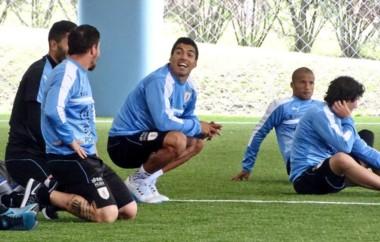 Luis Suárez y Edinson Cavani ya están bajo las órdenes del cuerpo técnico de Washington Tabárez.