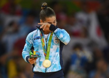 Paula Pareto médica, primer mujer argentina en lograr medalla de oro.