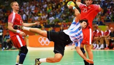 Argentina no pudo con Dinamarca en el debut olímpico del handball.