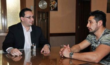 El intendente Maderna recibió a Fabricio Arévalo, referente del MMA.