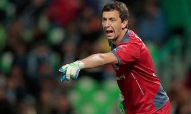 Santos Laguna demandará a Boca por el manejo de la oferta de Marchesín.