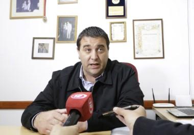 Pablo Toviggino, en la sede de la Liga del Valle, antes de partir rumbo a la cena por el festejo del Centenario de Independiente de Trelew.