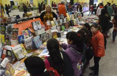 La Feria del Libro, tiene como fin promover la lectura en niños, adolescentes y adultos.