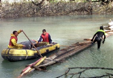 El puente colgante se desplomó hace 15 años y murieron ocho estudiantes (imagen archivo)