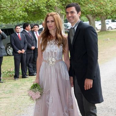 El gobernador Urtubey junto a su flamante esposa Isabel Macedo.