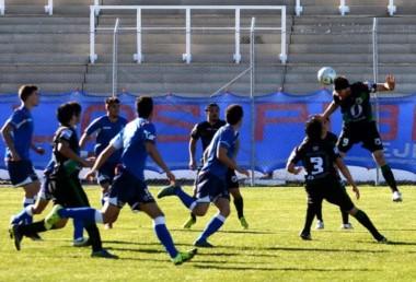 El Azzurro comodorense sumó de a tres por primera vez en el torneo.