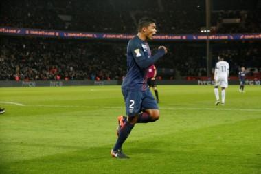 Thiago Silva marcó uno de los tantos del PSG.