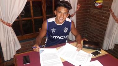 Yamil Asad firmó su cesión a préstamo por 1 año, sin cargo y con opción de compra.