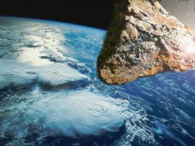 La roca viajaba a una velocidad de 56.000 kilómetros por hora, con una medida del tamaño de un edificio de diez pisos.