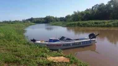 Un intendente y otras dos personas desaparecieron luego de chocar una lancha con una boya en el río Paraná.
