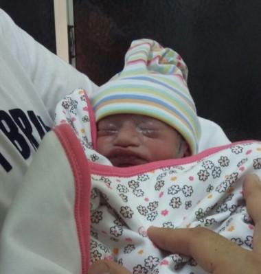 Margarita fue la primera bebé del 2017 en Trelew
