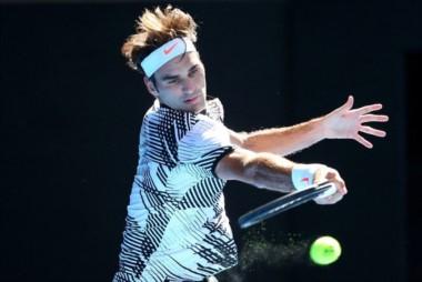 Con un excelente nivel, Federer avanzó en Australia.