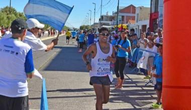 Gerardo Haro, una vez más, fue el ganador de la Corrida de la Bahía en Playa Unión.