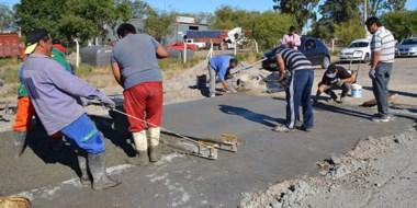 Habrá una gran inversión para el arreglo de calles y también asfalto para el ingreso a las escuelas.