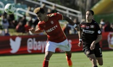 En su primer amistoso de pretemporada, Estudiantes empató con Bayer Leverkusen y cayó por penales.