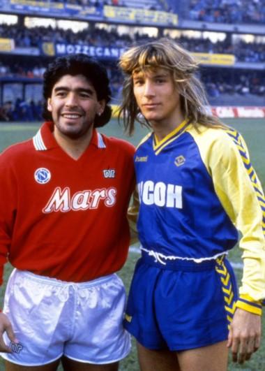 """Un """"Pájaro"""" que fue el mejor socio de Maradona tanto en Boca, como en la Albiceleste."""